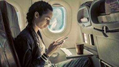 Uçakta Cep Telefonu Kullananlara Ceza Devri